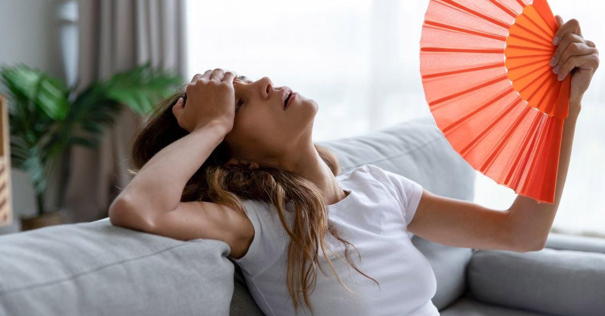 Donna con pressione bassa si sente male per il caldo